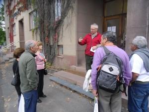 Hannu kertoi portugalilaisille vapaaehtoisille SPR:n toiminnasta, mm. Nälkäpäiväkeräyksestä.