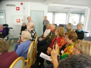 Mäkikylän palvelukeskuksessa järjestettiin ohjelmallinen tuokio.