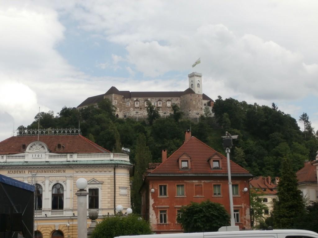 Ljubljanan linna yliopiston suunnasta